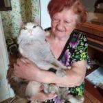 Кусь во имя спасения - кот спас свою спящую хозяку от пожара, сильно кусив ее за шею