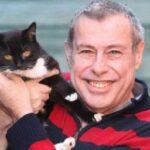Кошка из соседнего дома спасла мужчину от сердечного приступа – она пришла к нему в гости и не отходила ни на минуту